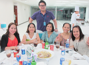 Sae-A Vietnam held a year-end party for employees and their families