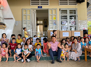 Sae-A Vietnam Visit to the children's shelter